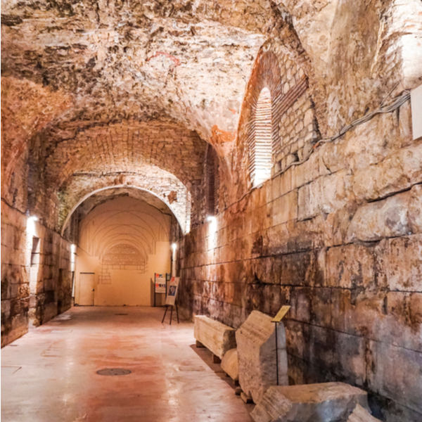 exploring underground tunnels in diocletians palace