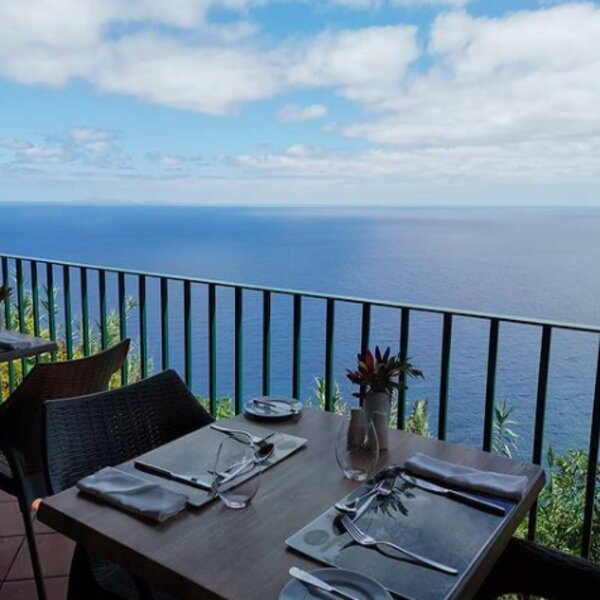 restaurant with sea view in madeira