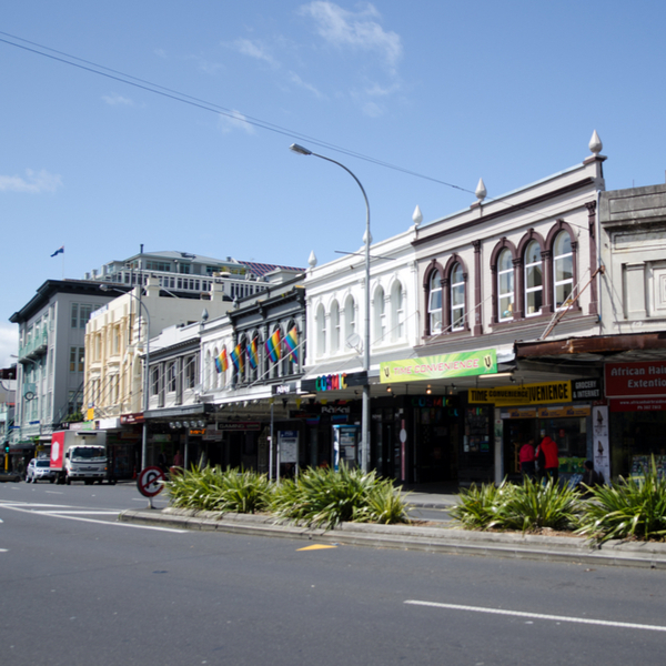 shops and bars on k road in auckland
