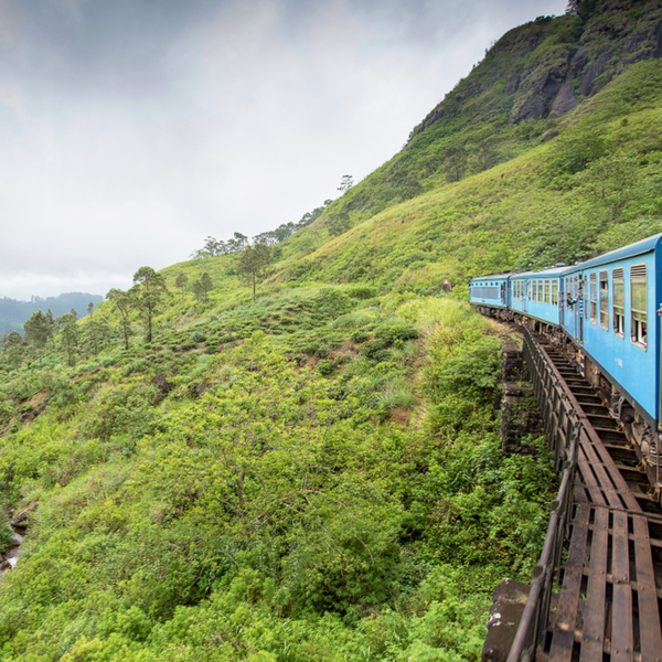 scenic train from kandy to ella